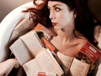 THE ANCHORESS UNVEILS NEW TRACK 'LONG YEAR'