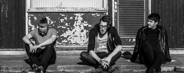 MANCUNIAN ALT ROCKERS 'PEUR' RELEASE NEW SINGLE