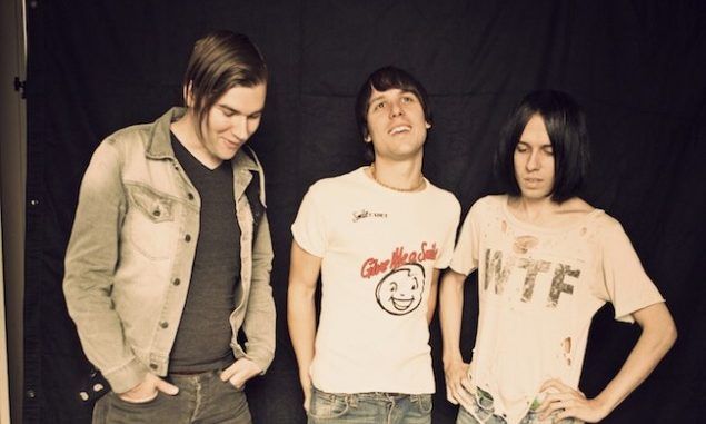 THE CRIBS - Share 'Different Angle' Video
