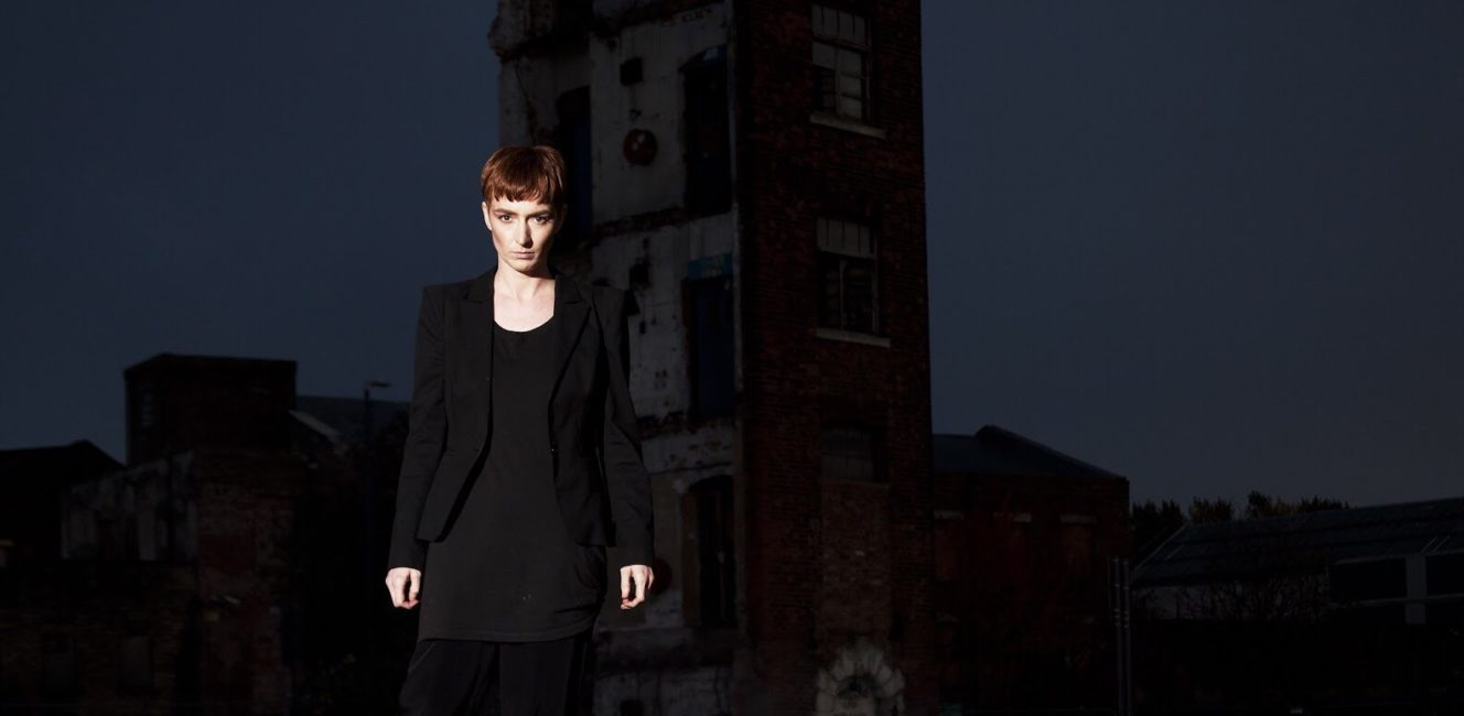LONELADY - announces autumn tour / listen to new single 'Silverings'