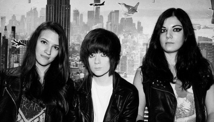 All girl Bristol three-piece IDESTROY reveal debut single 'Vanity Loves Me' 3