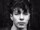 BARNS COURTNEY announces debut EP 'Hands' - Listen to track