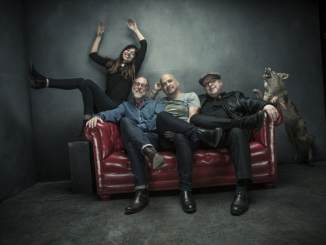 "Pixies Announce New album + World Tour - Listen To First Single, ""Um Chagga Lagga,"""