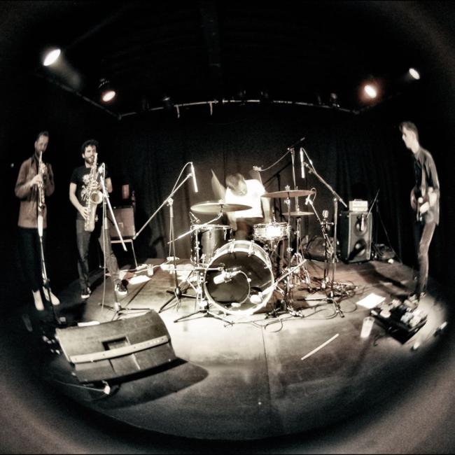 NEAR TO HEAR // Robocobra Quartet