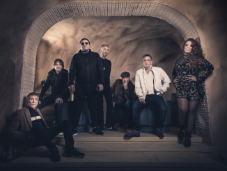 HAPPY-MONDAYS---2017-PROMO-SHOT---PLEASE-CREDIT-BY-PAUL-HUSBAND