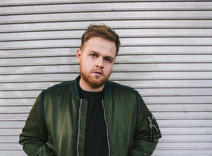 British newcomer TOM WALKER announces the release of his new EP 'Blessings' April 21st