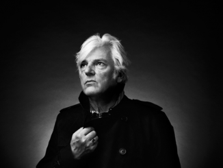 "ROBYN HITCHCOCK shares new video for ""Raymond & The Wires"""