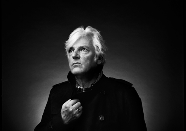 """ROBYN HITCHCOCK shares new video for """"Raymond & The Wires"""""""