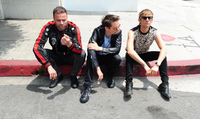 MUSE - Reveal artificial intelligence and machine learning video for current single 'DIG DOWN'