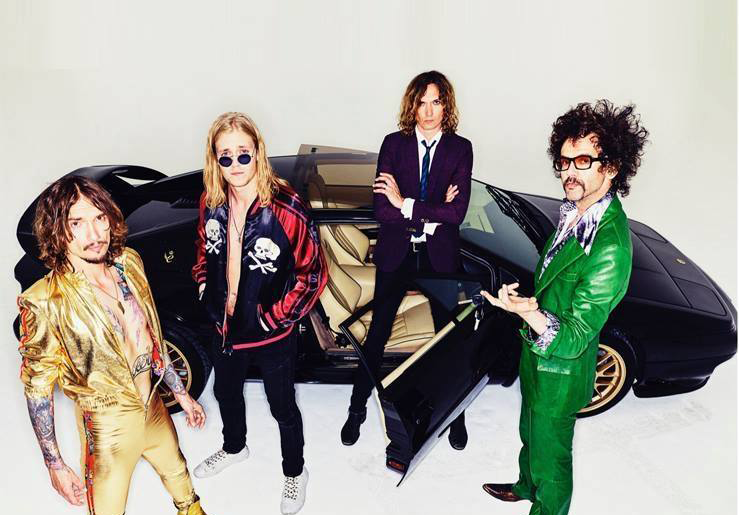 THE DARKNESS - Unveil hilarious video for 'All The Pretty Girls'