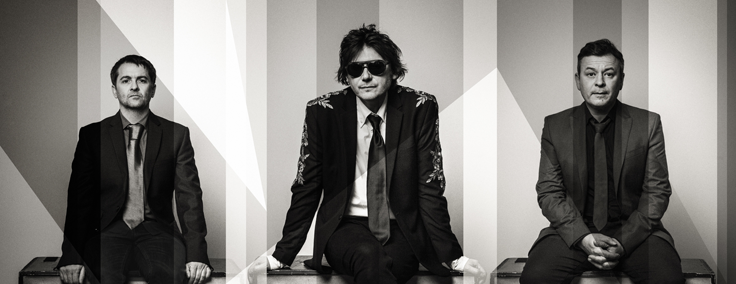 MANIC STREET PREACHERS share new video for 'International Blue' 2