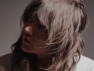 COURTNEY BARNETT shares 'Sunday Roast' - Watch Video