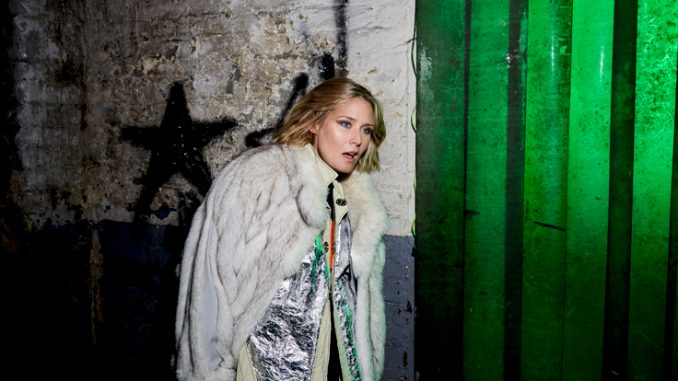 "RÓISÍN MURPHY Shares Video for ""PLAYTHING"" - Watch Now"