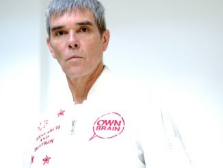IAN BROWN has released a brand new single, 'First World Problems' - Listen Now 2