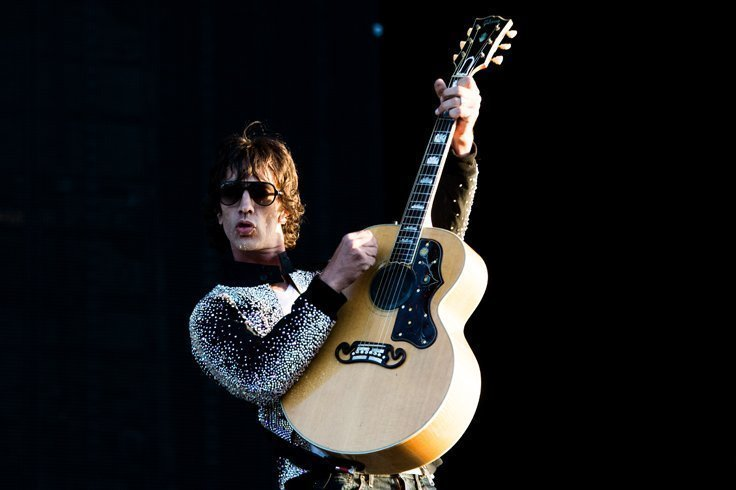 RICHARD ASHCROFT releases a video for the track 'Born To Be Strangers', from album 'Natural Rebel' - Watch Now