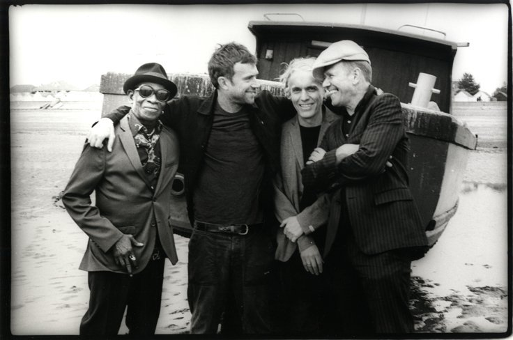 """THE GOOD, THE BAD & THE QUEEN Announce New Album: """"MERRIE LAND"""" Out 16th November - Listen to Track 1"""