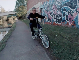 IAN BROWN Unveils Video for New Single 'FIRST WORLD PROBLEMS'- Watch Now