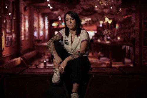 LUCY SPRAGGAN shares lyric video to new track 'End of The World' + announces Glastonbury performance