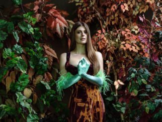 "LYDIA AINSWORTH premieres new song ""Diamonds Cutting Diamonds"" - Listen Now"