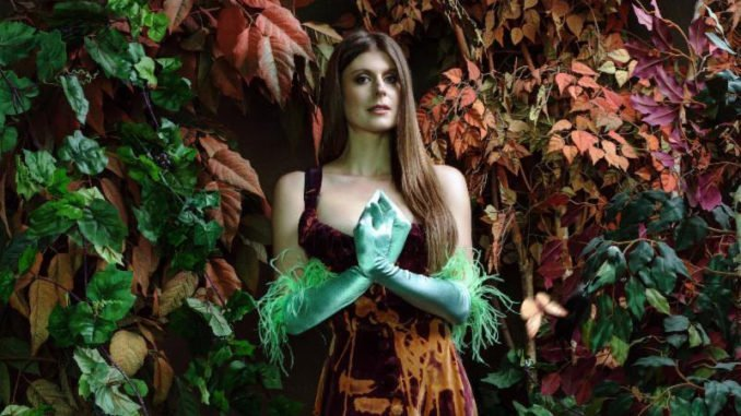 "LYDIA AINSWORTH premieres new song ""Diamonds Cutting Diamonds"" - Listen Now"