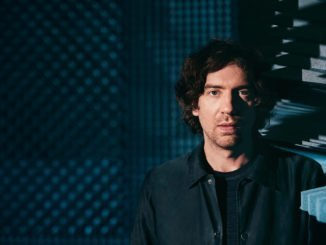 "INTERVIEW: Snow Patrol frontman Gary Lightbody on Ward Park 3 - ""We wanted to complete the hat trick."" 1"