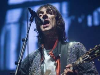RICHARD ASHCROFT covers Prince's Purple Rain at London concert