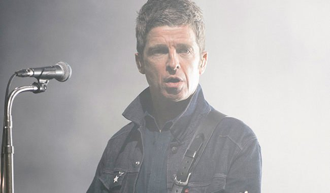 NOEL GALLAGHER jokes kids are 'lucky' to have him as a dad at London Palladium gig