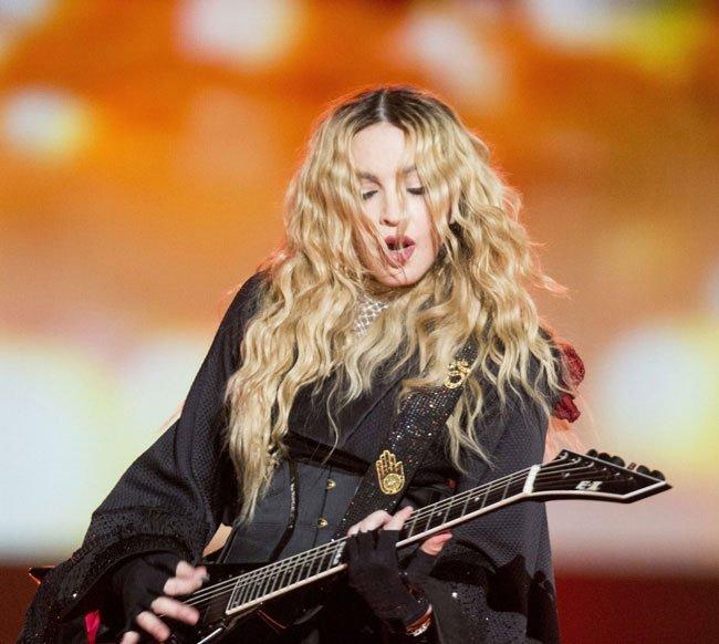 MADONNA confirms plans to go back on tour 2
