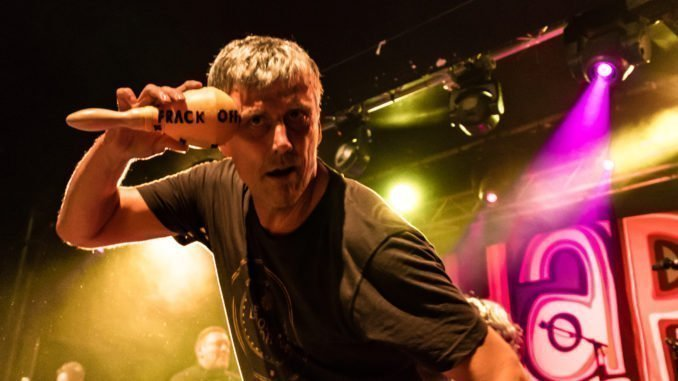 "INTERVIEW: Happy Mondays' Bez - ""Bees remind me of myself - they have a short attention span, and they are always buzzing!"" 1"