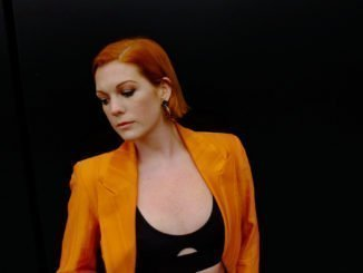 VIDEO PREMIERE: Grace Savage - shares live acoustic session of 'Cracks' - Watch Now