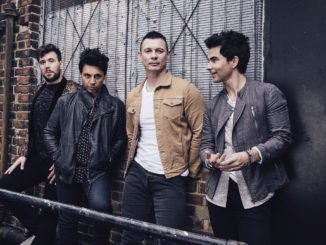 STEREOPHONICS return with brand new track 'Fly Like An Eagle' - Watch Video