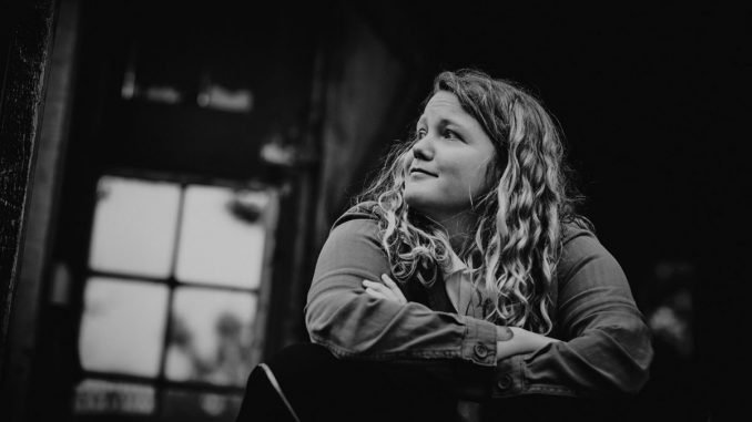 """KATE TEMPEST unveils the video for her latest single """"People's Faces"""" (Streatham Version)"""