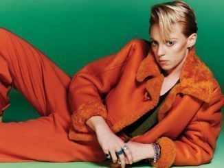 LA ROUX returns with brand new single 'International Woman Of Leisure' - Listen Now 2