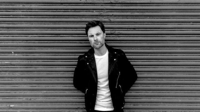 TRACK PREMIERE: Daniel Pearson - 'Down The Tracks'