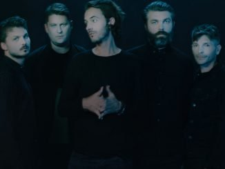 EDITORS unveil stunning video for 'Upside Down' - Watch Now