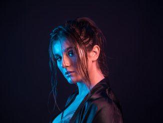 VIDEO PREMIERE: Singer-Songwriter CASSA JACKSON Explores Regret in Break-Up Ballad 'Beautiful Confused'