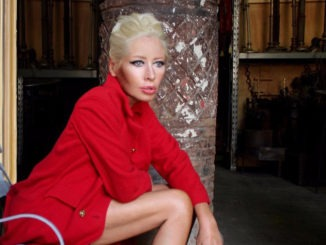 WENDY JAMES releases 'Queen High Straight' today - Watch the video for the title track and new single 1