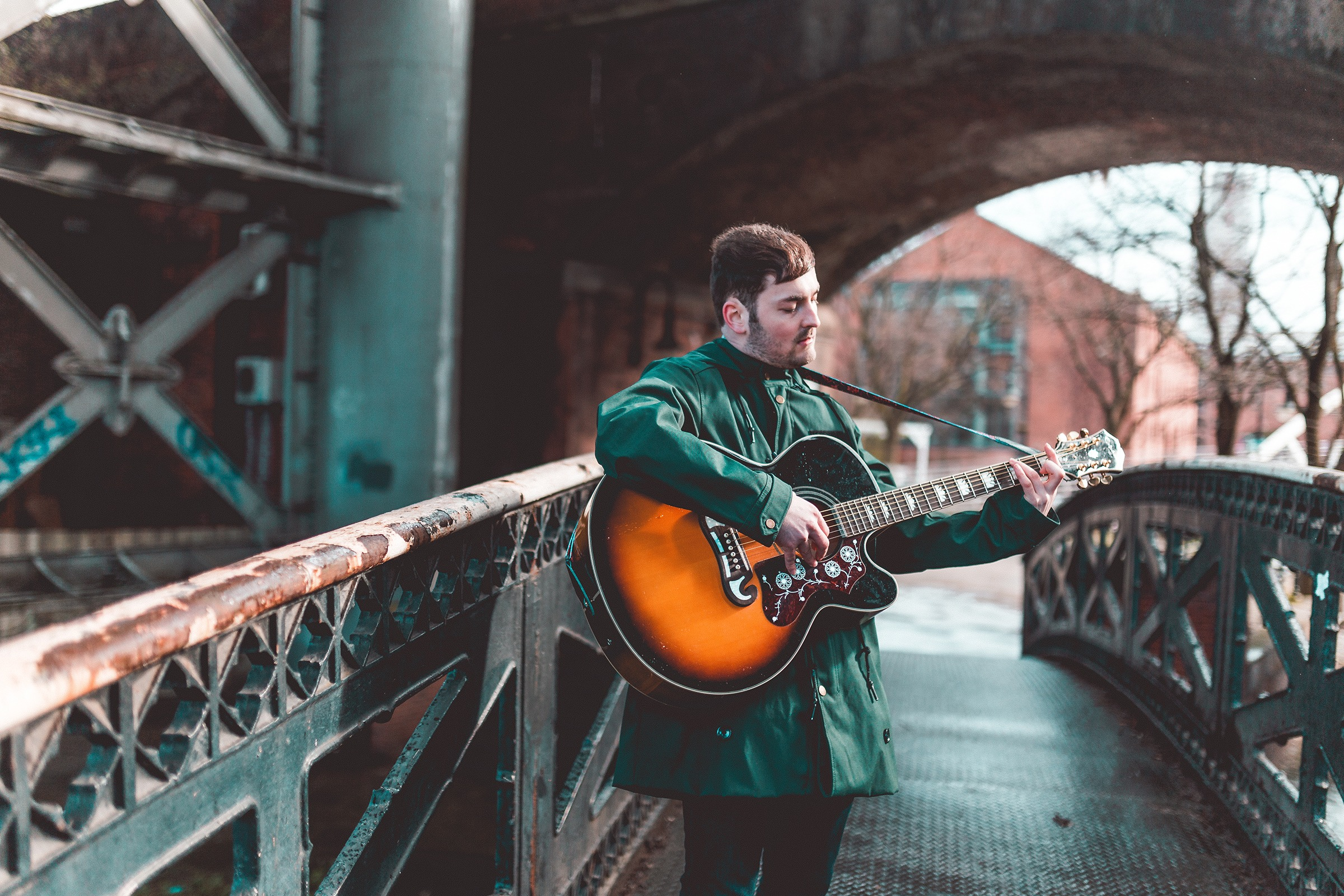 Manchester's JOELL JORDI Drops new indie-bop 'The Electric Between You and Me'