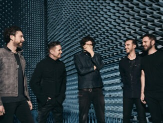 SNOW PATROL and the SATURDAY SONGWRITERS release The Fireside Sessions EP on August 21st 1