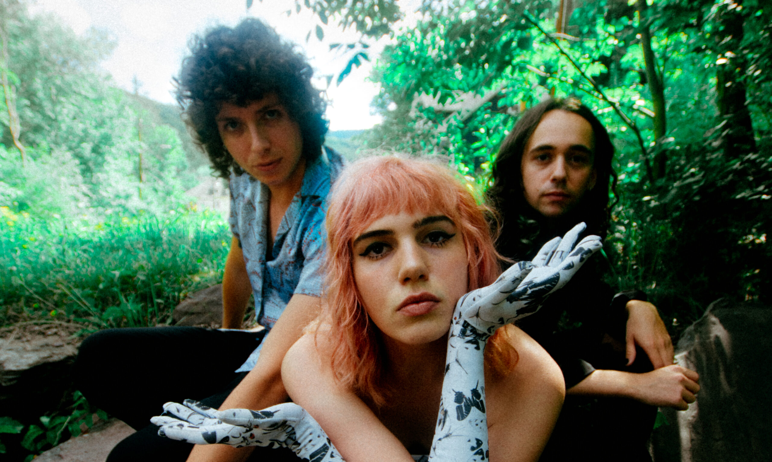 SUNFLOWER BEAN shares 'Moment In The Sun' their first new song & video of 2020