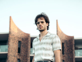 The Vaccines' keyboardist T TRUEMAN releases new single and EP 'Born To Be Right'