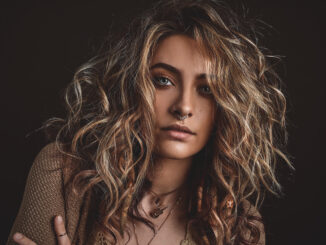 PARIS JACKSON makes her solo debut with 'Let Down' - Watch Video 1