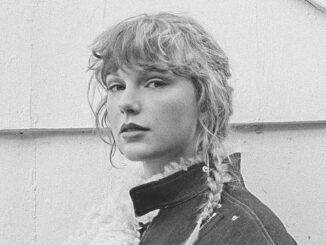 TAYLOR SWIFT releases 'evermore' album & 'willow' music video today 1