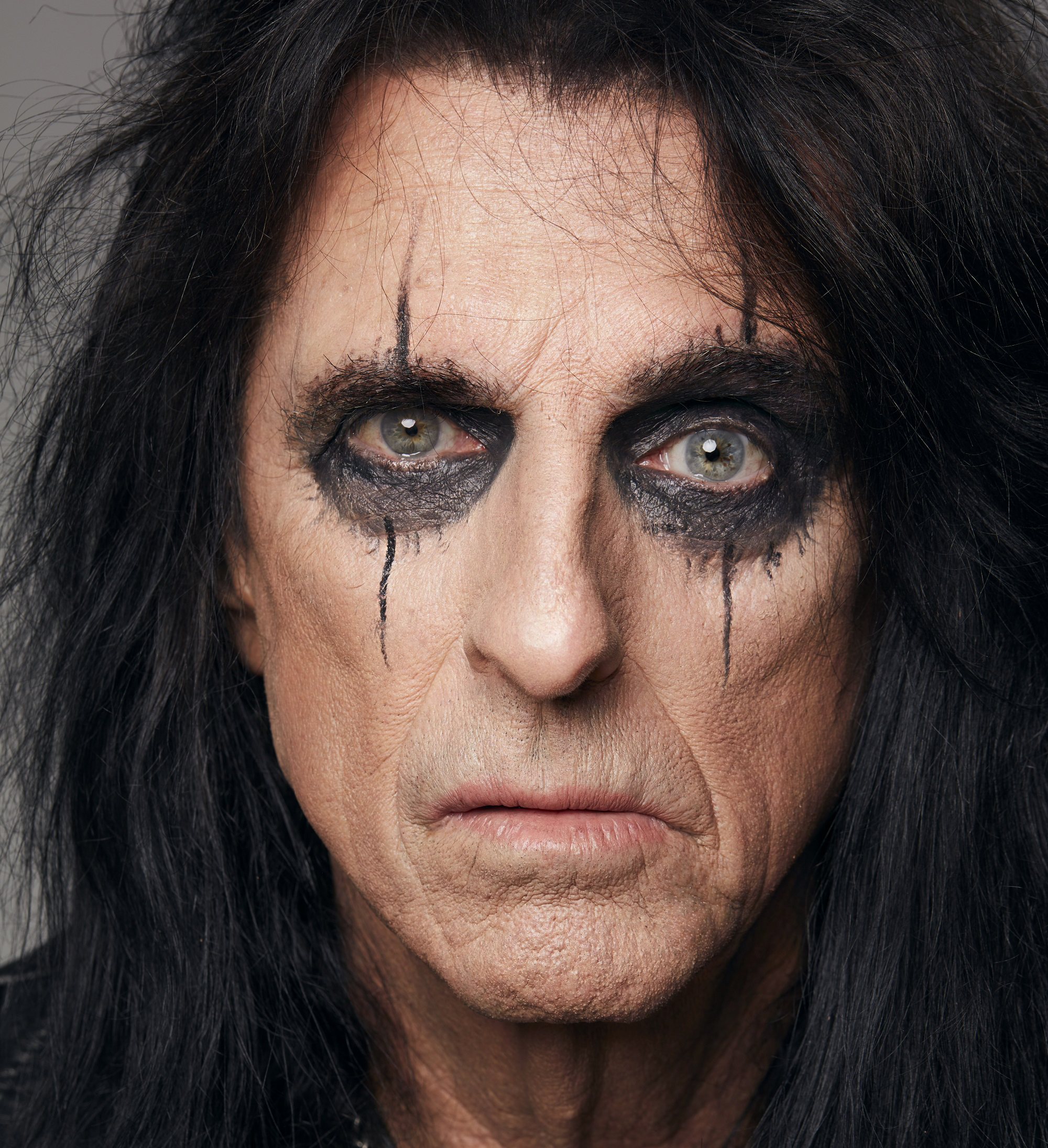 https://www.xsnoize.com/wp-content/uploads/2020/12/Alice-Cooper_Detroit-Stories_press-picture_copyright-earMUSIC_credit-Jenny-Risher-6_2000px.jpg