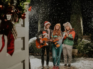 Join Northern Ireland's finest musicians, actors, poetry and story-telling, filmed live at the Ulster Folk Museum for UNDER A CHRISTMAS SKY 1
