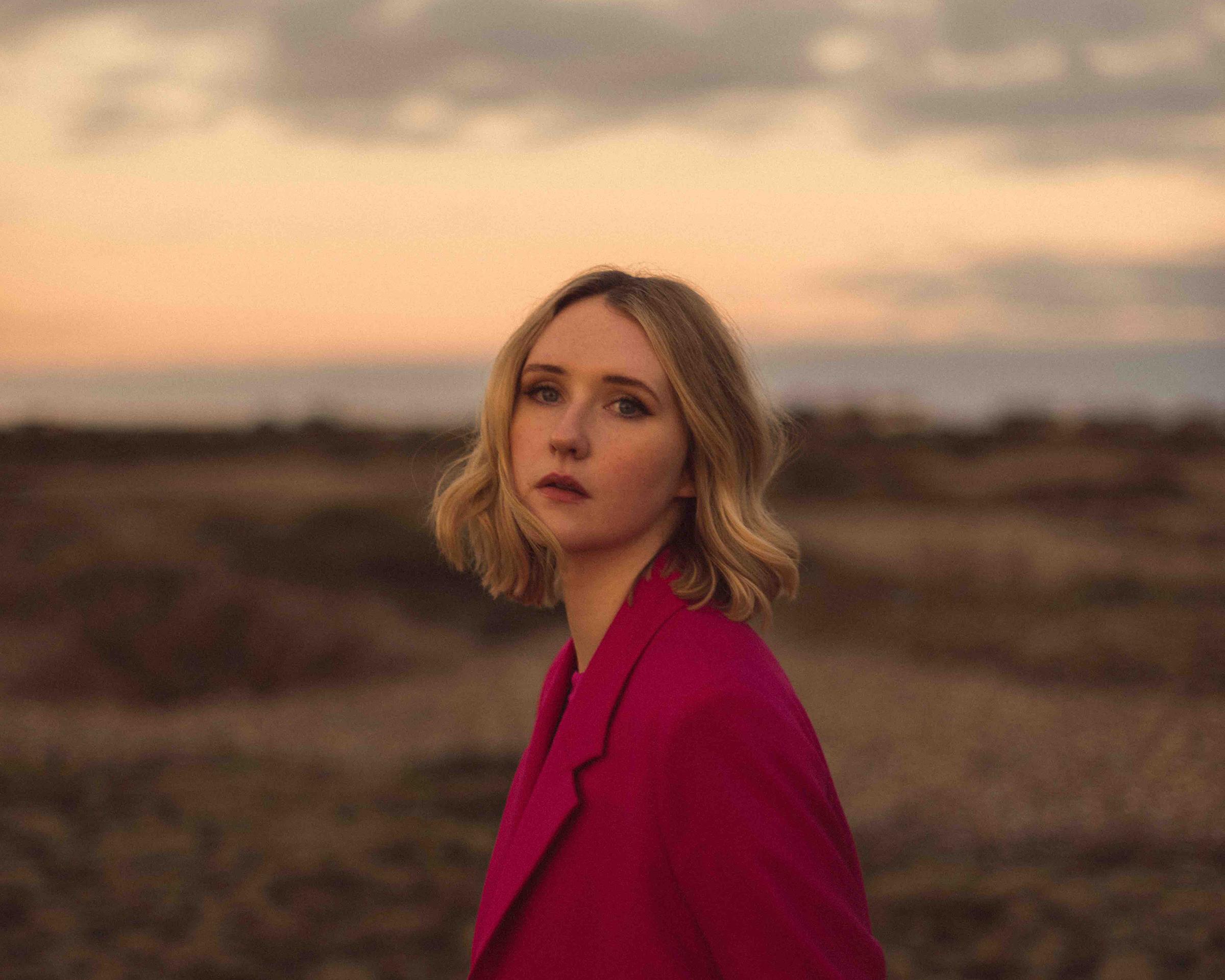 INTERVIEW with rising Irish singer-songwriter LILLA VARGEN