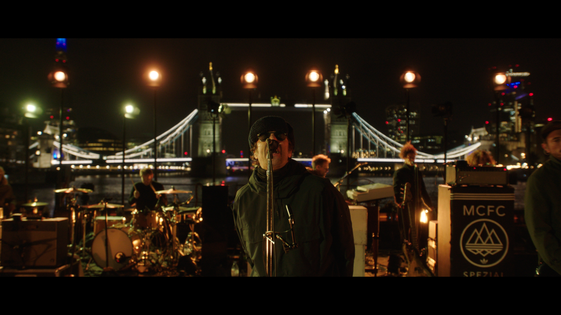 LIVE REVIEW: Liam Gallagher - Down By The River Thames 1