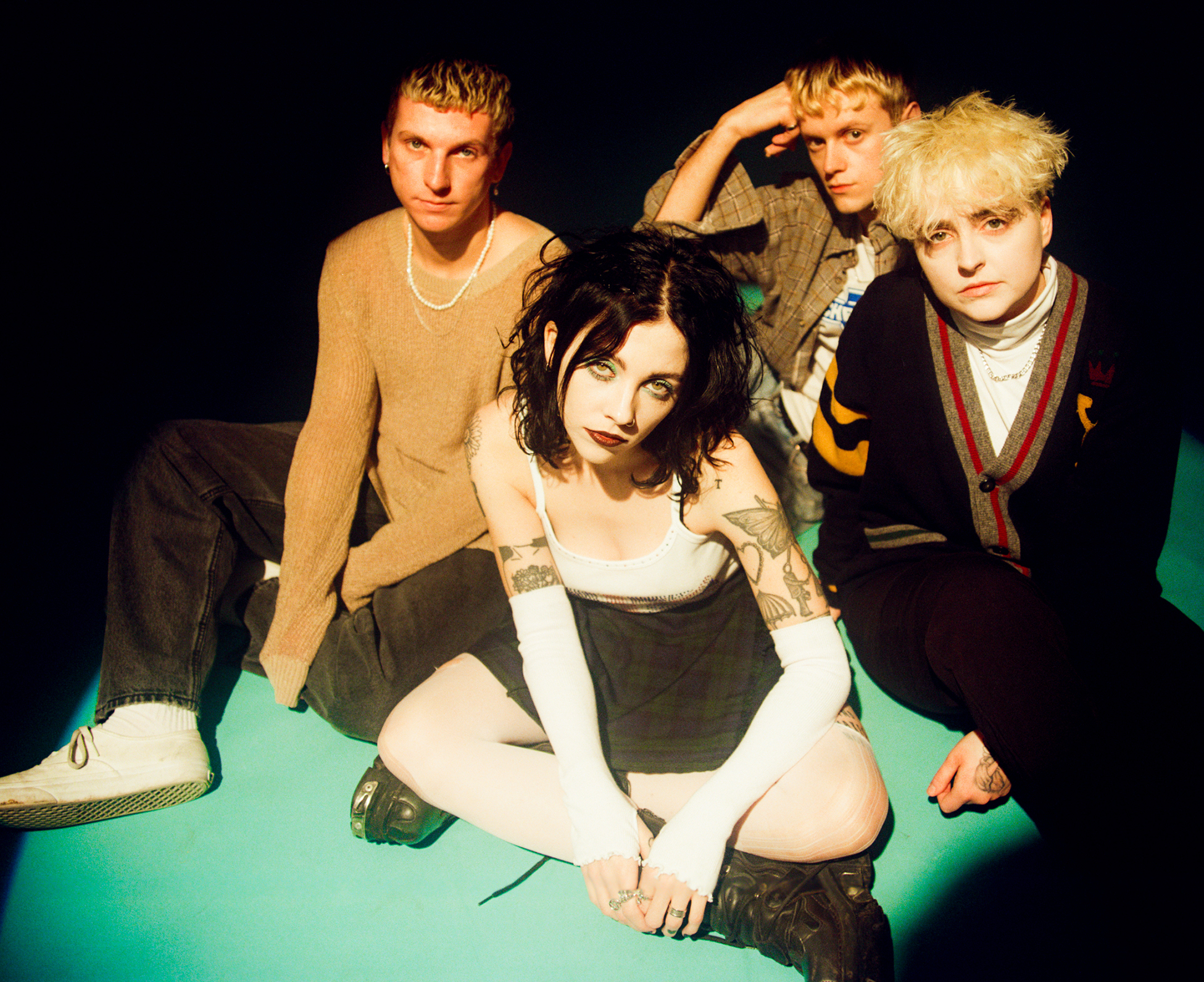 PALE WAVES share video for new single 'Easy' - Watch Now! 1