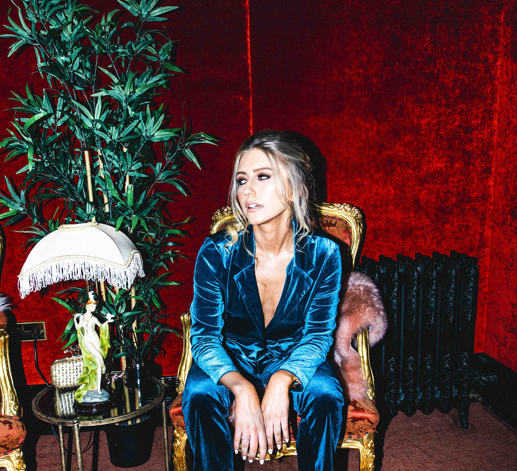 Irish electro-pop artist Fí releases her new single 'Over You' - Listen Now!