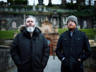 ARAB STRAP share shocking video for new single 'Here Comes Comus!'